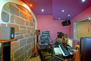 oine-studio-02